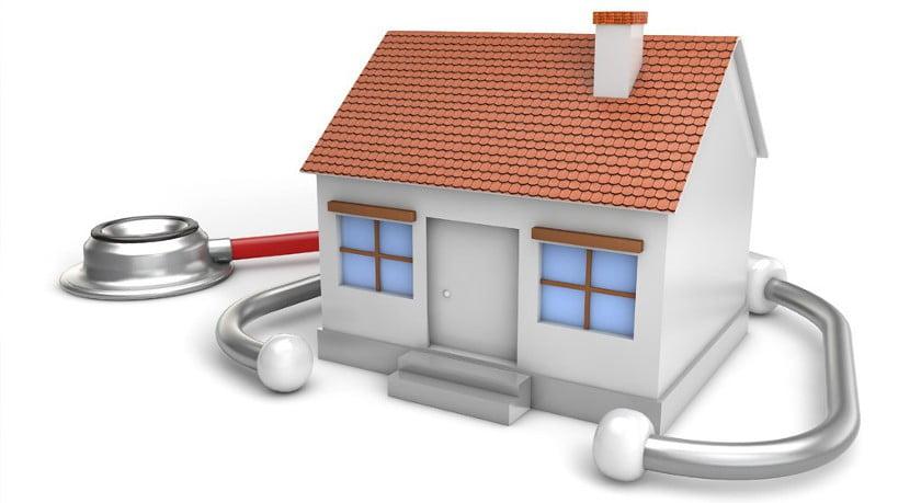 Gerenderte Grafik von einem Haus mit einem Stethoskop drumherum als Beispiel für die Bewertungsverfahren.