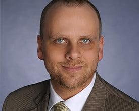 Porträtbild vom Immobiliensachverständigen Andreas Ruof in Farbe