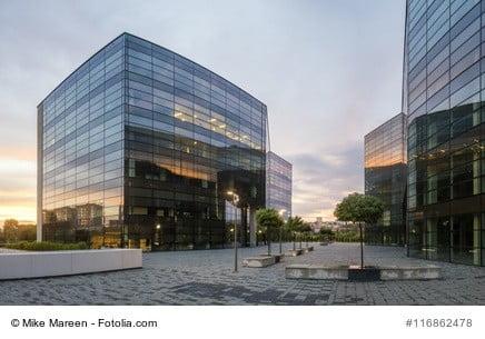 Modernes Bürogebäude als Gewerbeimmobilie