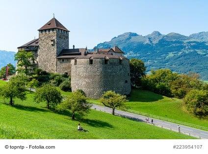 Burg in den Bergen