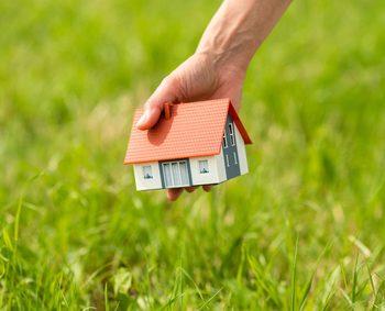 Kontaminierter Boden - So schützen Sie sich beim Grundstückskauf